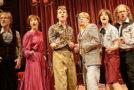 """Das Berliner Ensemble lädt zur musikalischen Produktion """"Ballroom Schmitz"""" ein."""