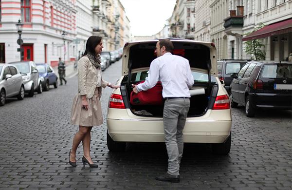 berliner taxigewerbe definiert seinen service neu. Black Bedroom Furniture Sets. Home Design Ideas